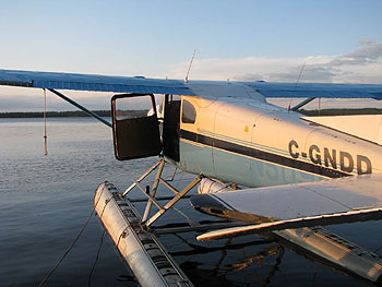 float-plane-flying